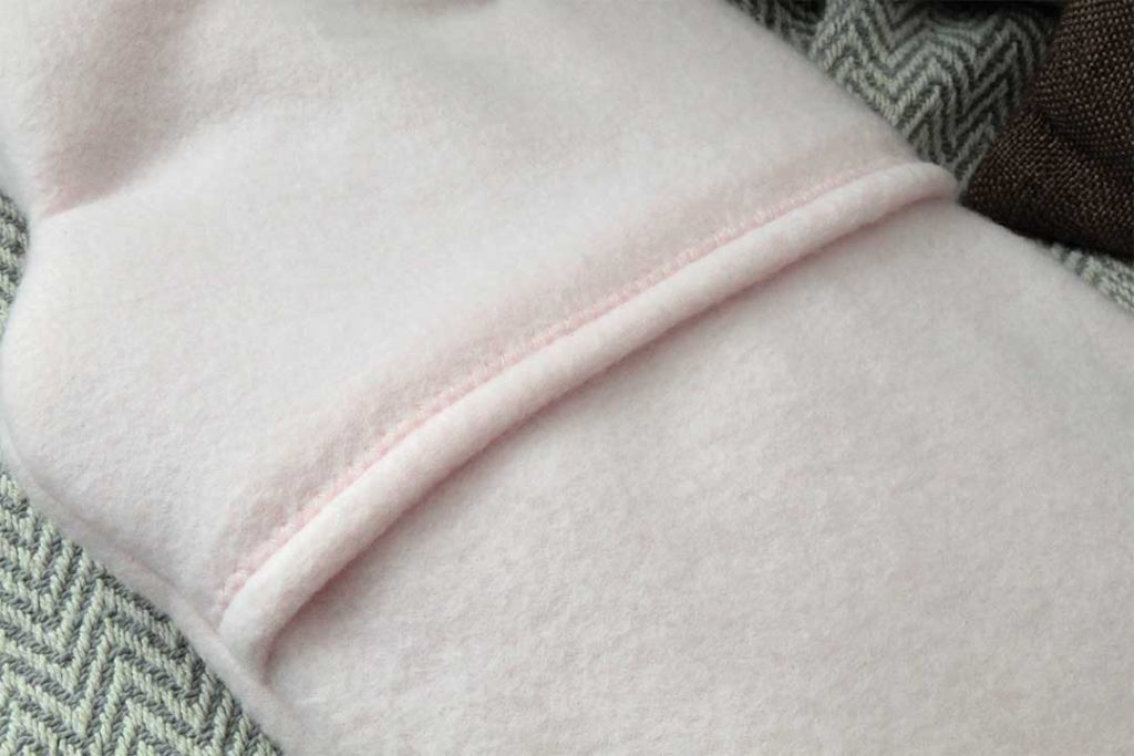 overcasting stitch seam at pillow case opening