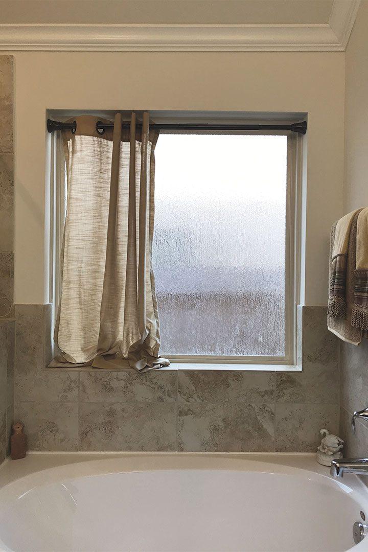 how to make a bathroom curtain